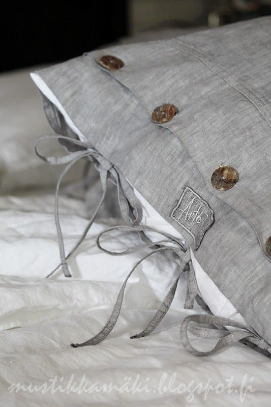 Beautiful grey pillow case from Arte.