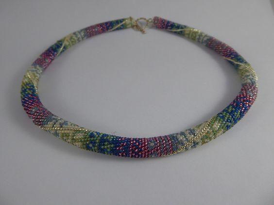 """Colliers - Perlenhäkelkette """"Eis"""" - ein Designerstück von Mailyme bei DaWanda"""