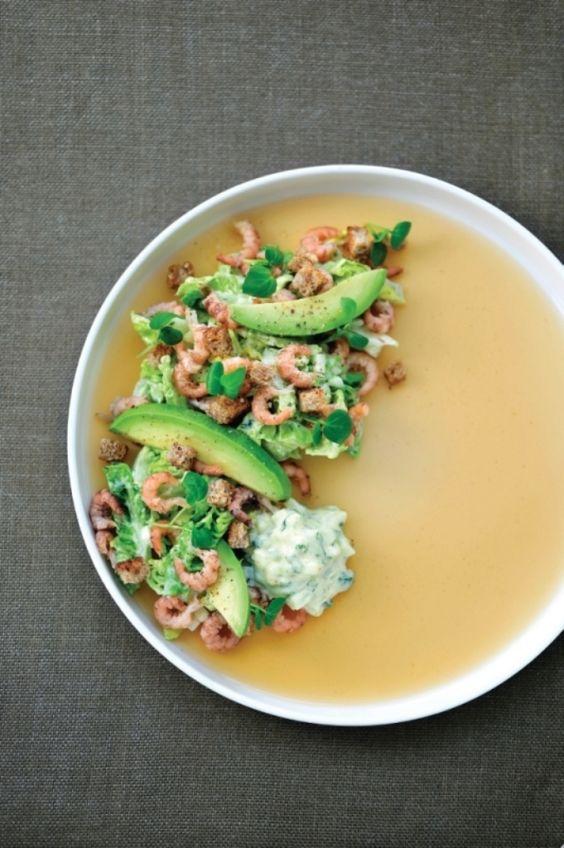 Salade met noordzeegarnalen en currymayonaise http://njam.tv/recepten/salade-met-noordzeegarnalen-en-currymayonaise