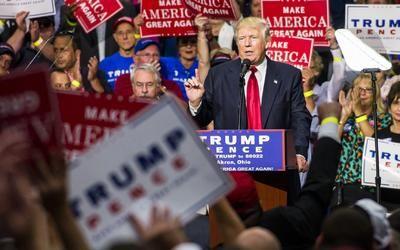 """Trump plantea ahora """"suavizar"""" las leyes para algunos indocumentados"""