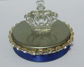 latinha azul royal e dourada