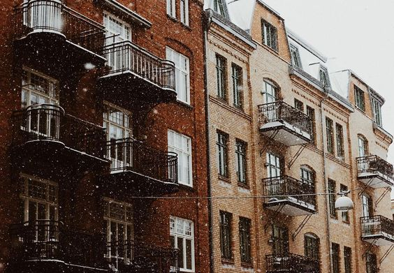 It's snowing!  by andreaswijk
