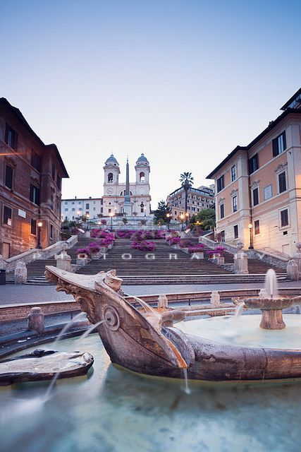 Barcaccia by Bernini The Spanish Steps, Rome (by matteocolombo.com):