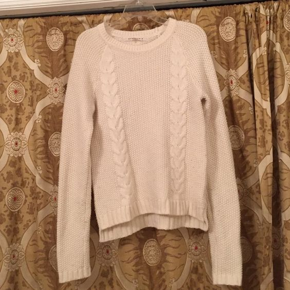 White Cable Knit Sweater W/ Buttons Adorable cable knit sweater. SZ large in excellent condition! Max Studio brand, buttons down the back Max Studio Sweaters Crew & Scoop Necks