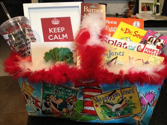 pictures of silent auction baskets - Amazing book basket!