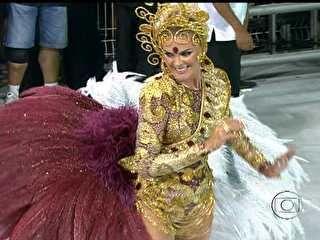 G1 - Rosas de Ouro, Mancha e Vai-Vai são destaques do 1° dia de desfile em SP - notícias em Carnaval 2013 em São Paulo