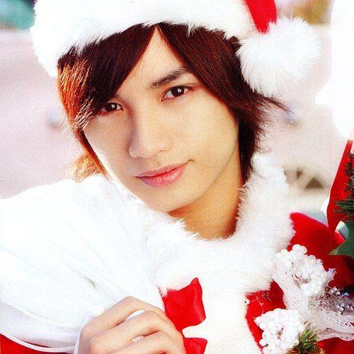 サンタの格好をした中島健人
