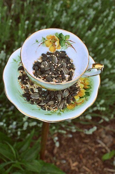 DIY teacup birdfeeder