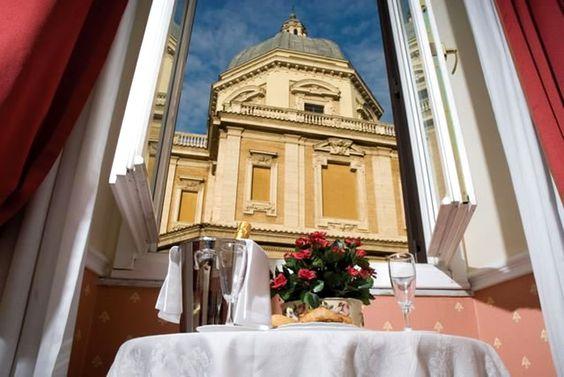 Hotel Antico Palazzo Rospigliosi, Roma - Vista sulla Basilica di Santa Maria Maggiore.  Hotel Antico Palazzo Rospigliosi, Rome - View of the Church St. Mary Major