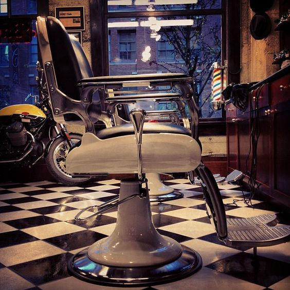 love this chair would look great at b m barber shop pinterest lojas cadeiras e wells. Black Bedroom Furniture Sets. Home Design Ideas