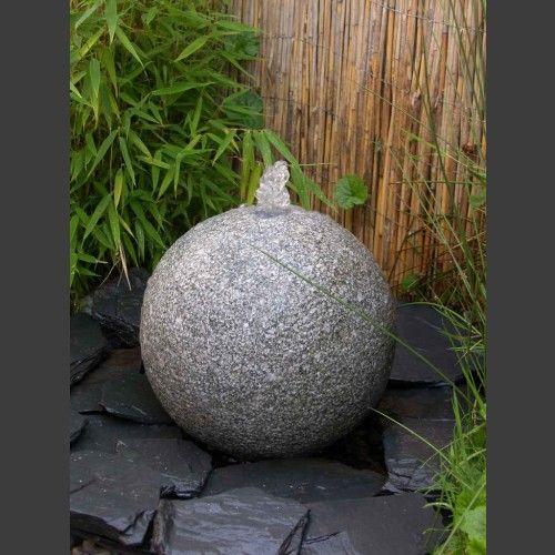Granit Kugel Sprudelstein grau 30cm - Quellsteine - Quellstein