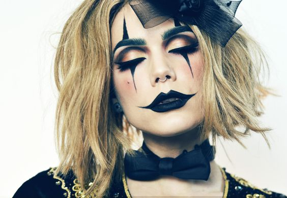 @godspell peeps: I'm doing the eye clown makeup thing on one eye it's gonna be rad