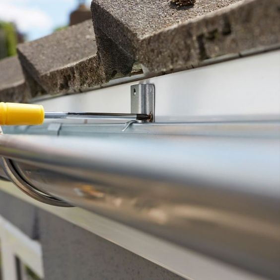 Eavestrough Toronto provides services to install eavestroughs in residential and commercial buildings in Toronto. Specialized in Eavestrough cleaning, repairs, & installation in Toronto since 2010.