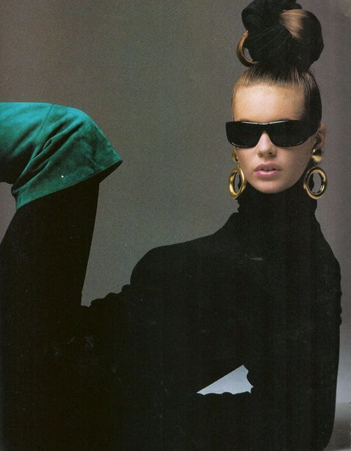 """Fair Game"", Elle US, November 1985  Photographer : Gilles Bensimon  Model : Elle MacPherson  #sunglasses:"