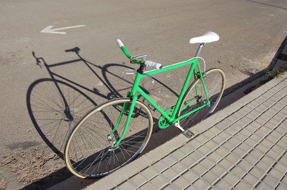 bici restaurada ...con un color que dará mucho que hablar esta primavera