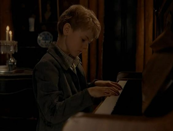 Thomas Brodie-Sangster Entrusted