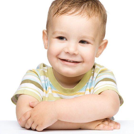 احترام الذات أمر جوهري لتنشئة طفل يملك ثقة بنفسه اولا، يحترم ذاته ويقدرها ثانيا، ومن ثم اخيرا يقدر الآخرين ويعرف كيف يتعامل معهم باحترام.