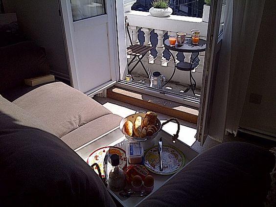 Petit-dejeuner sur le balcon
