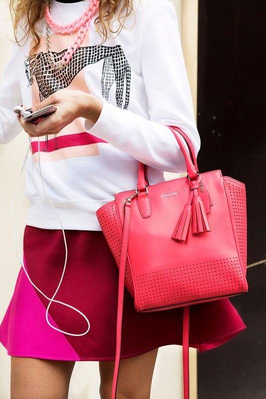 Colorwheel Next Door Neighbors: Pink & Red