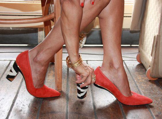 A Tanya Heath Paris abriu um loja em Portugal. Agora podemos trocar os saltos dos sapatos para condizer com o outfit. #highheels #tanyaheathparis