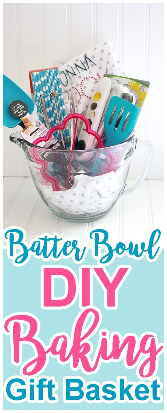 Perfect gift idea for Mother's Day for Moms and Grandmas who love to cook! (or just love fun new kitchen gadgets!) Pretty and FUN Batter Bowl DIY Baking Gift Basket Tutorial by Dreaming in DIY #mothersday #mothersdaygiftidea #mothersdaygiftbasket #diymothersday #diymothersdaygifts #giftbaskets #bakinggiftbasket