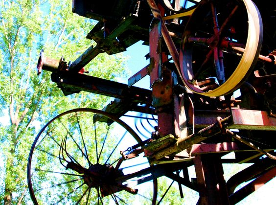 Heureka - kinetic sculpture by Jean Tinguely