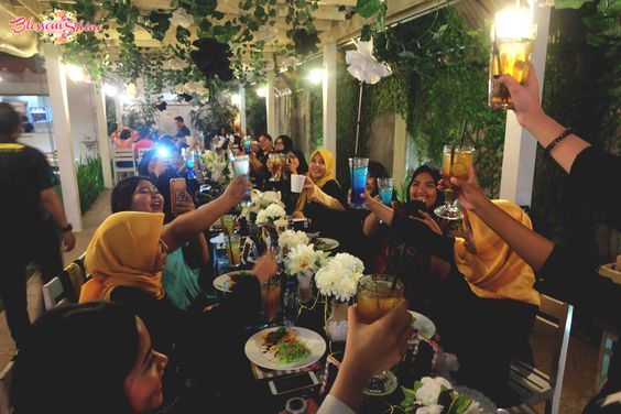 A Toast for Beautiesquad 1st Anniversary