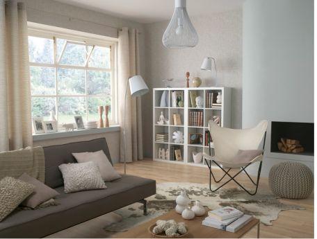 salon peinture couleur blanc casse coussins pouf laine 456x345 Couleur Lin : les couleurs naturelles dans le salon pour une déco zen