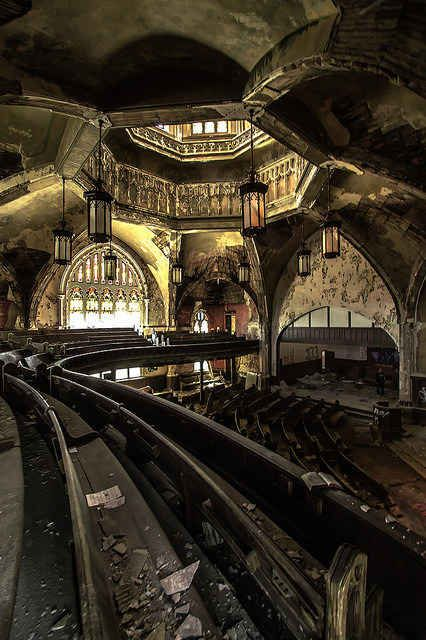 This church in Detroit. | 17 Abandoned Places That Will Give You Chills: