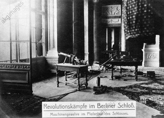 1918 MG-Stellung im Schloss