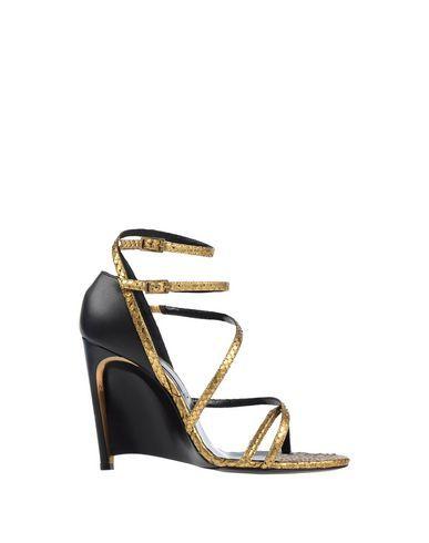 LANVIN Sandals. #lanvin #shoes #sandals
