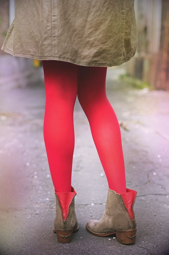 Red Tights  Credit photo: Les projets de Clementine