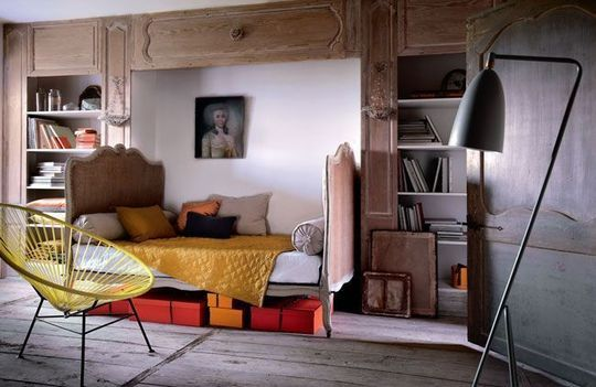 Love the mix between modern and antique . Bernard Touillon fro Coté sud