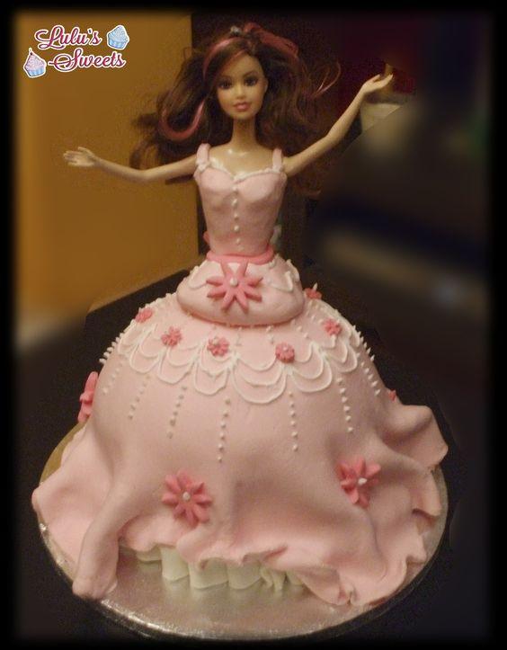 Tarta princesa, rellena de ganache de chocolate, riquísima