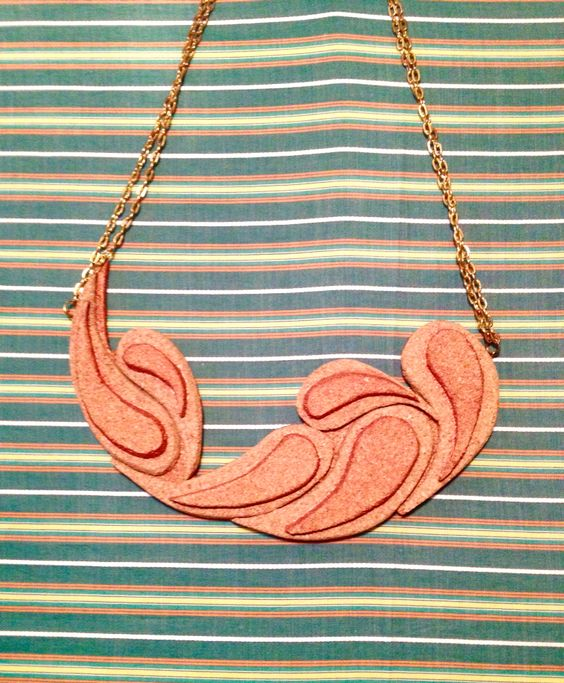 #cork #necklace #loomdesign #comma