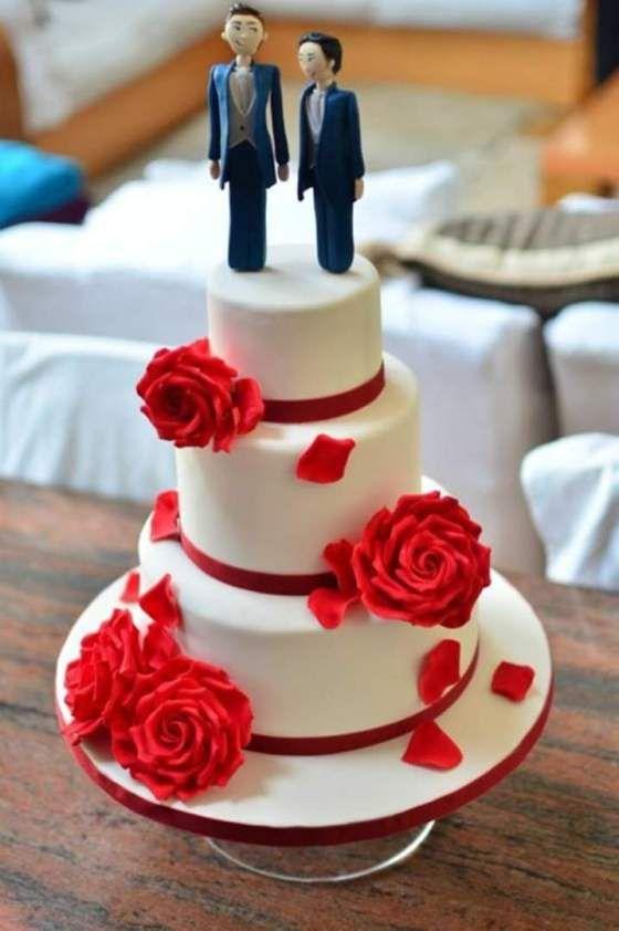 Same sex wedding cake. Gay wedding