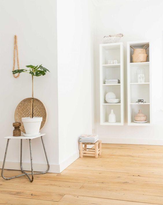 Wit en hout, een frisse combinatie | Wood and white, a fresh combination | Photographer Hans Mossel | Styling Sabine Burkunk | Text Merel van der Lande | Bron: vtwonen 03-2016