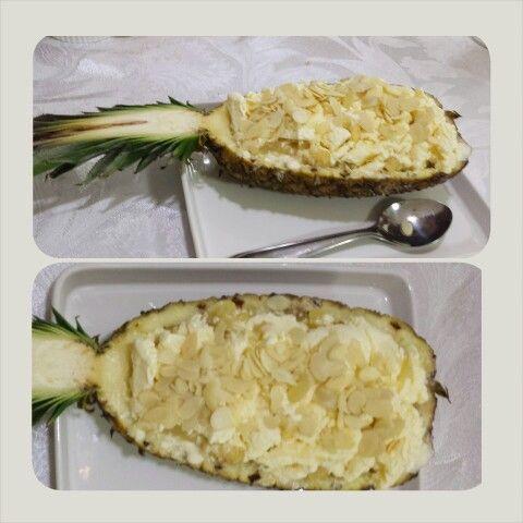 Abacaxi com sorvete de creme e amêndoas. Receita Rita Lobo