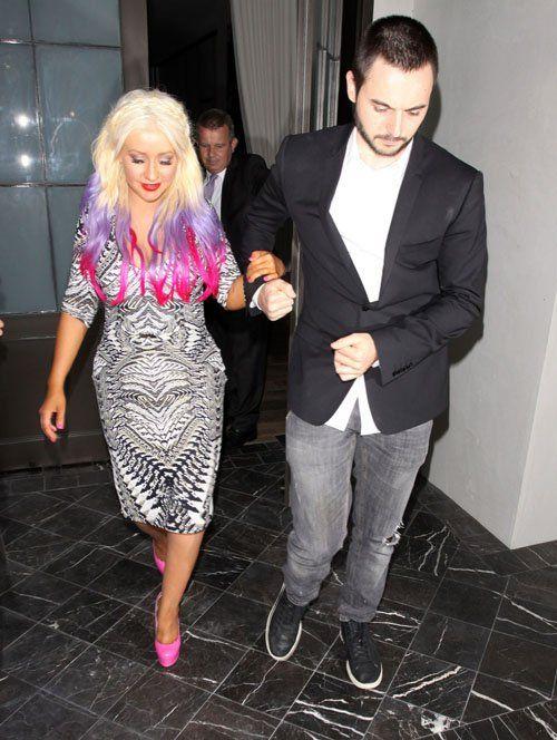 Christina Aguilera celebrando en el restaurante Spago en Beverly Hills (28 de septiembre). / Christina Aguilera celebrating at Spago restaurant in Beverly Hills (September 28).