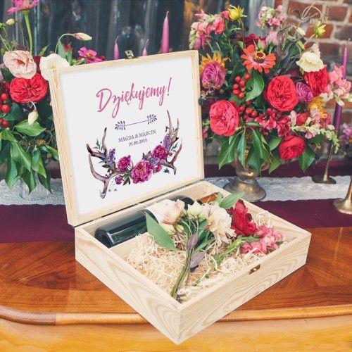 Skrzynia Na Wino I Drobiazgi Podziekowanie Rodzicom I Swiadkom Z Imionami Kwiaty Boho Decorative Boxes Gifts Gift Wrapping
