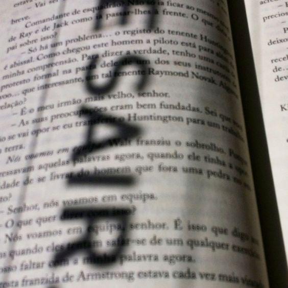 Por vezes nos livros está a solução: sair