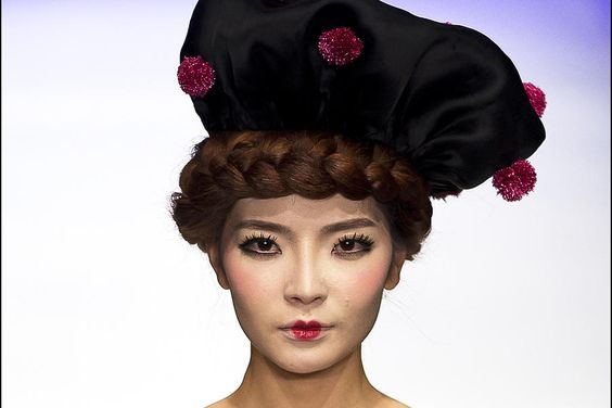 Model for Chinese designer Cao Qinghe.