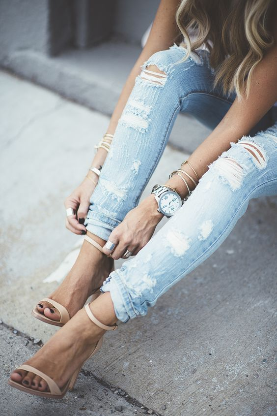 Ripped jeans + single strap heels. Classic look I love