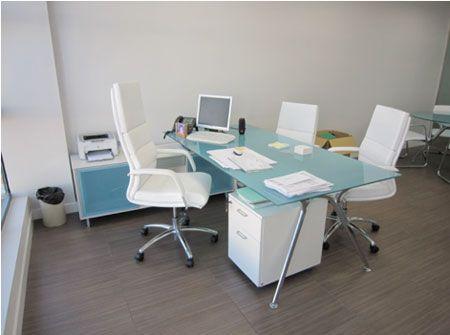 Como decorar una oficinas de abogados para m s for Escritorio de abogado