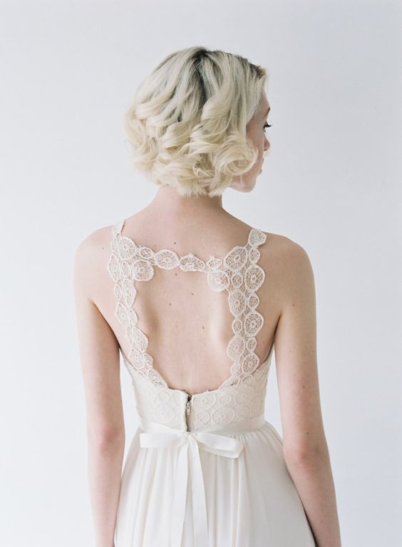 Inspirationssonntag: truvelle Bridal Collection Dress: truvelle from perera/rüsche Photography: Blush Wedding Photography