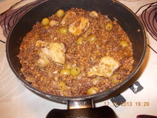 Heerlijke kipdijfilet met pittige Oosterse gekruide linzen. We hebben ervan gesmuld!