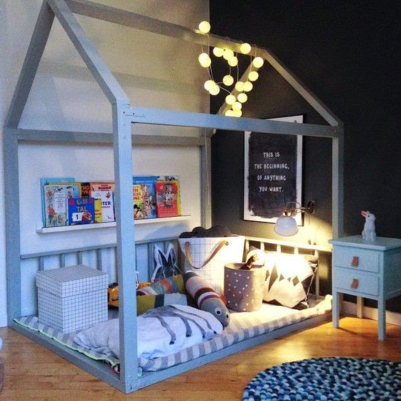 f rs kinderzimmer hausgestell als kinderbett kuschelecke. Black Bedroom Furniture Sets. Home Design Ideas