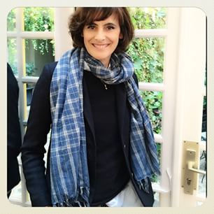 ines de la fressange inesdelafressangeofficial photos. Black Bedroom Furniture Sets. Home Design Ideas