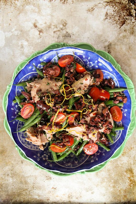Tuna with green beans and Kalamata Olive Vinaigrette