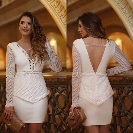 Simplesmente in love por esse vestido ✨✨ Chique e com o caimento perfeito!!!!!!! • #LoubViaja #LoubAbuDabhi #LoubSummer17 #LoubPorArianeCanovas